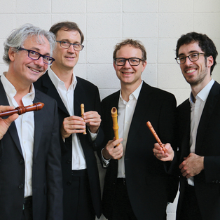 Flanders Recorder Quartet: A Song for all Seasons