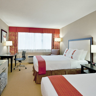 Holiday Inn & Suites Boston-Marlborough