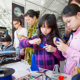 MIT Museum Kicks-Off Ninth Annual Cambridge Science Festival