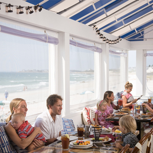 Red's Restaurant at Sea Crest Beach Hotel