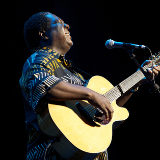 VUSI MAHLASELA & FRIENDS at Somerville Theatre