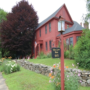 Elias Carter House Bed & Breakfast